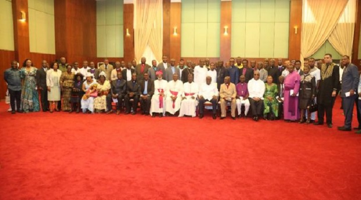 President Akufo-Addo in a group photography with the pastors after a closed-door meeting