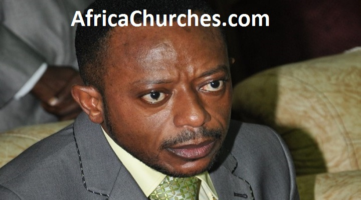 Rev. Dr. Isaac Owusu Bempah fights, vandalizes laptop, microphone at Hot 93.9 FM Studio [Watch Full Video]