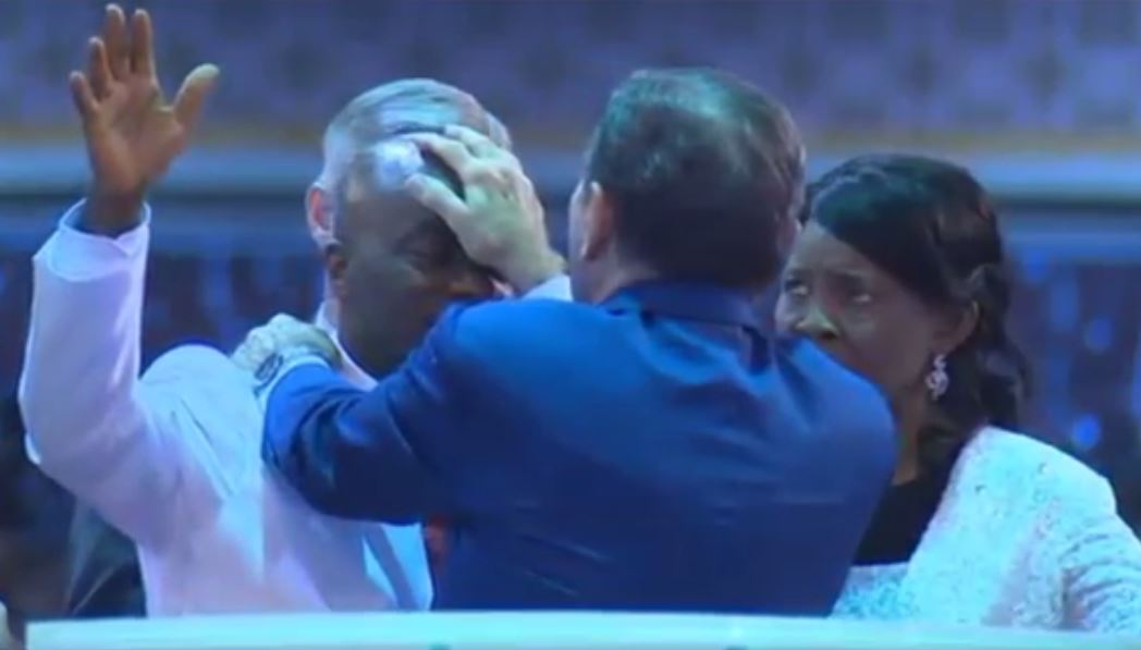 Kenneth Copeland lays hand on Bishop David Oyedepo for next level Anointing [Watch Video]